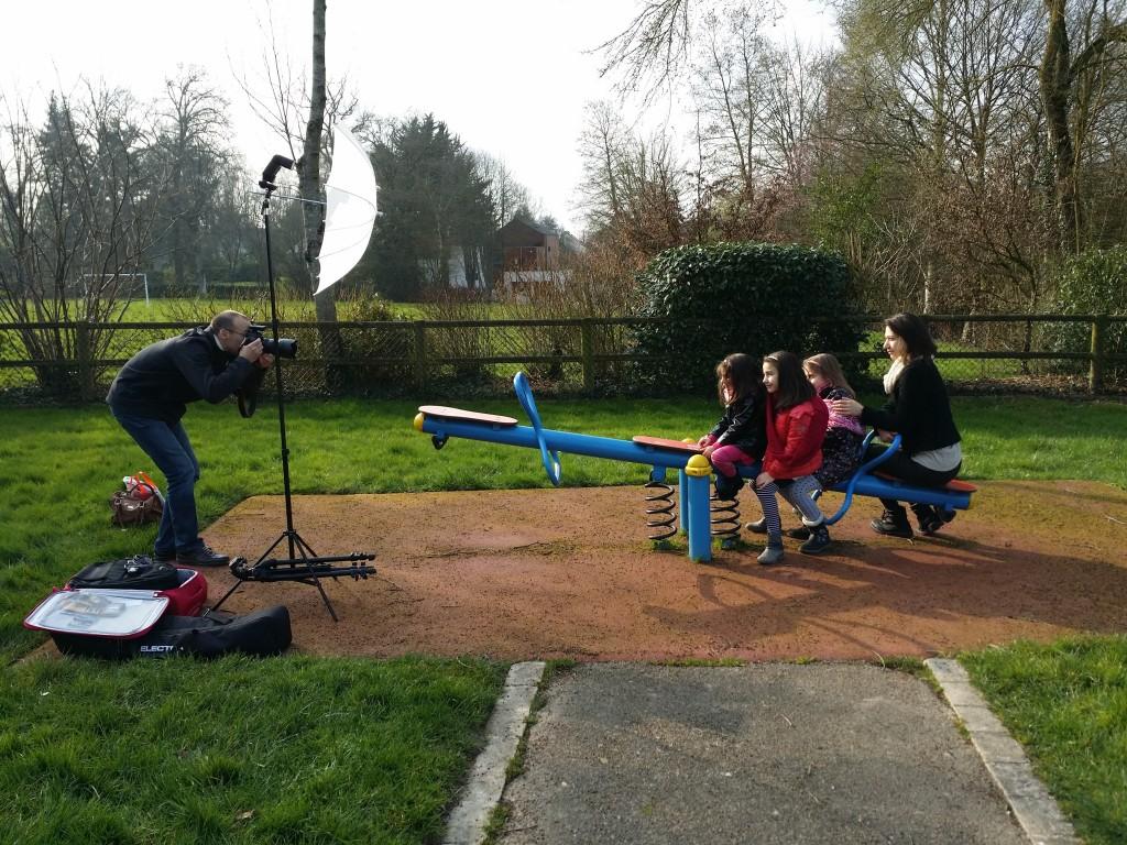 Séance photo avec Shorena et ses trois filles dans un parc